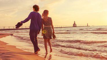 Comment faire durer un amour de vacances une fois rentré?