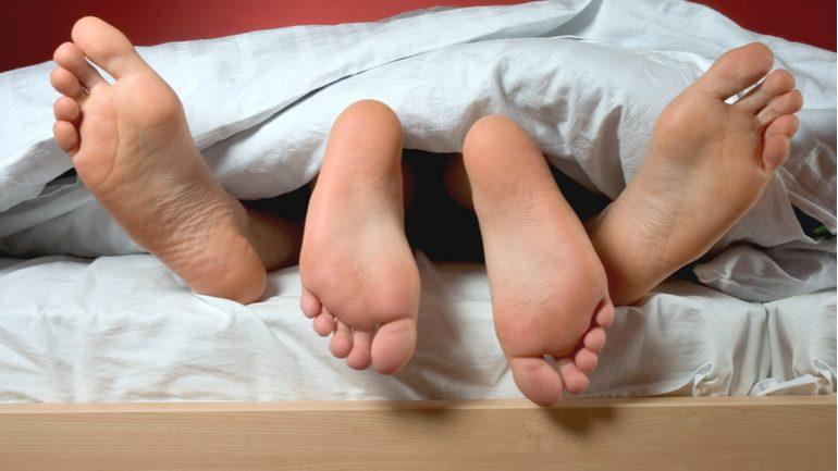 Coucher le premier soir…ou pas?